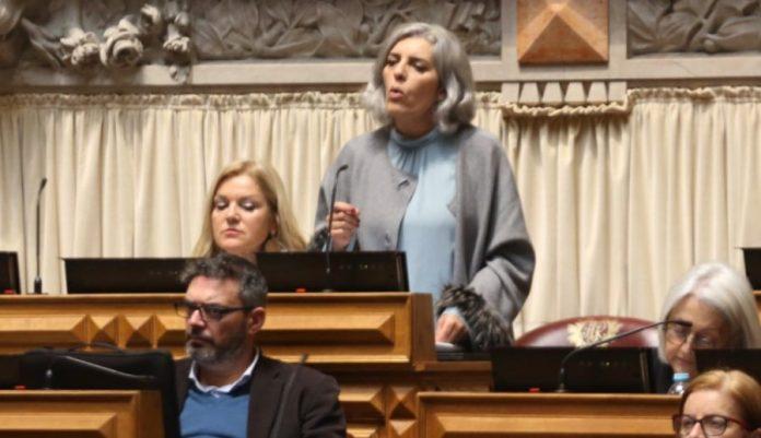 Deputada Isabel Rodrigues